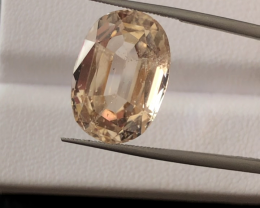 14.30 carats, Natural Topaz.