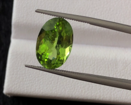 3.75 carats, Natural Peridot.