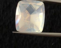 13.95 carats, Natural Moonstone.