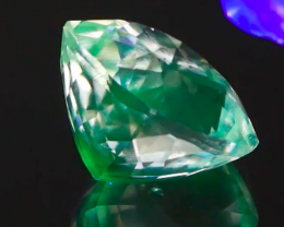 UV Luminescent Color Change Mexican Hyalite Opal 4.15Ct.