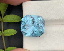 Top Grade Spider Cutting 14.20 ct Top Quality Swiss Topaz
