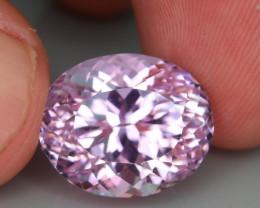 Top Grade & Cut 15.35 ct Light Pink Kunzite