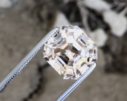 Brilliant Cut Topaz Untreated 10.25 Ct from Himalaya