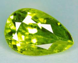 3.70 Cts Parrot Green Color Natural Peridot Gemstone