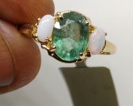 Wonderful $ 1800 2.50 cts. Nat Emerald and Ring 10K Sol YG