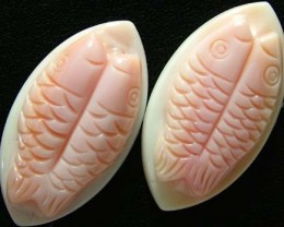 CONCH SHELL FISH PAIR CARVING 34.30 CTS [PF 915 ]