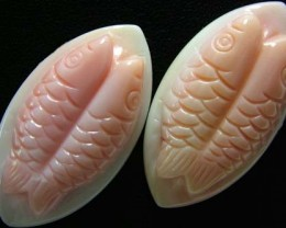 CONCH SHELL FISH PAIR CARVING 31.50 CTS [PF 922]
