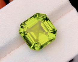 2000$ 9.70 Carat Natural Grass Color Peridot Gemstone