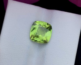 Top Grade 2.85 ct lovely Peridot Ring Size