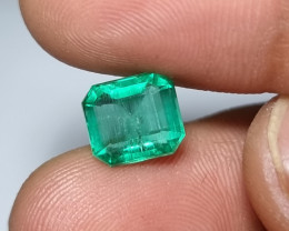 NO OIL 2.71 CTS CERTIFIED STUNNING GREEN EMERALD FROM ZAMBIA