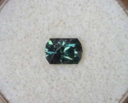 1,08ct Colour change teal to grass green Sapphire - Master cut!