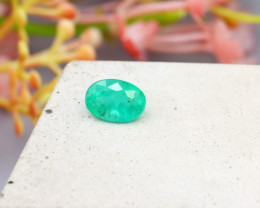 Colombian 0.93Ct Natural Colombian Green Emerald SE357