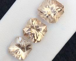 Beautiful piece 21.55 Ct Natural Topaz gemstone