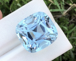 Dazzling Blue Color 33.90 Ct Aquamarine From Himalayan Ranges