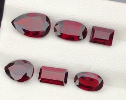 9.15 carats, Natural Rhodolite Garnet.