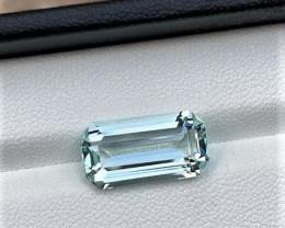 4.10Cts Excellent Emerald Cut Natural color Loop-clean Aquamarine 4.10CtsM4