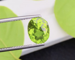 Parrot Green Color 3.90 Ct Natural Top Quality Peridot
