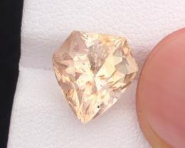 5.0 carats, Natural Topaz.