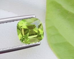 Parrot Green Color 2.50 Ct Natural Top Quality Peridot