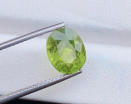 200$~4.55 Ct Natural Beautiful Rutile Peridot Gemstone