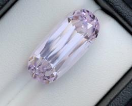Beautiful Piece 17.95 Carat Natural Kunzite gemstone
