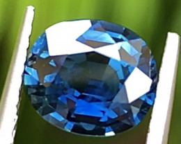 1.55ct Vivid Blue Sapphire With Excellent Luster And Fine Cutting Gemstone