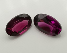 Rhodolite psir: 0.95ct, oval shaped sunset coloured stones!