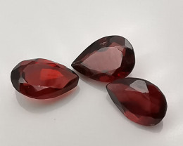 Rhodolites : 2.48ct, three stones that may bring a lot of luck?