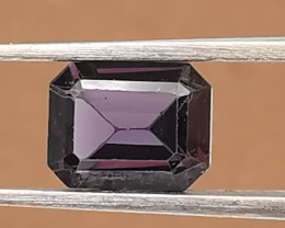 Spinell, 1. 035ct, Ceylon gemstone waiting for a buyer!