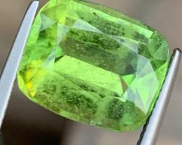 10.66 Carats Natural Peridot Gemstone