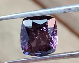 Spinel, 0.96ct, cusion cut Sri lankian gem of high quality!