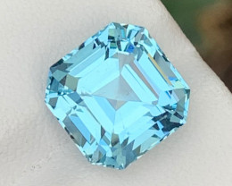 Top 6.95 Carats Natural Aquamarine Gemstone