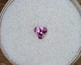 0,35ct Pink Ruby - Master cut!