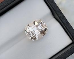 Beautiful piece 6.90 Ct Natural Topaz gemstone