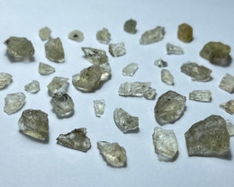 Amazing Natural color Gemmy quality rough Scapolite lot 50Cts S-34