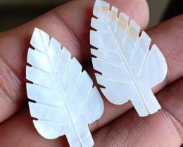 Leaf Carved Pair made of Mother Of Pearl Natural Cultured VA2763