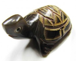 BUFFALO HORN CARVING OF CUTE TURTLE  14  CTS  GTT 1499