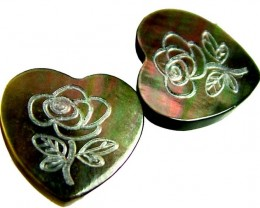 PAIR  MOTHER OF PEARL CARVED HEARTS - 4.95 CTS [PF 1265]