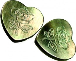 PAIR  MOTHER OF PEARL CARVED HEARTS - 5.00 CTS [PF 1284]