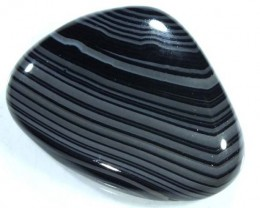 BLACK AND WHITE BANDED AGATE 35 CTS  NP-882