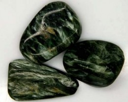 GREEN SERAPHINITE 58 CTS  ADG-375