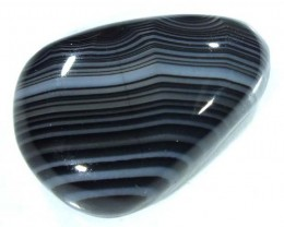 BLACK AND WHITE BANDED AGATE 15 CTS  NP-877