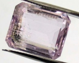 LARGE KUNZITE FROM PAKISTAN    10.90  CTS  GW 667