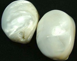 PAIR PEARLY WHITE IRRESESENT BEAD-DRILLED 110.85CTS [PF1695]