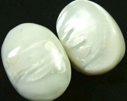 PAIR PEARLY WHITE IRRESESENT BEAD-DRILLED 122.35CTS [PF1705]