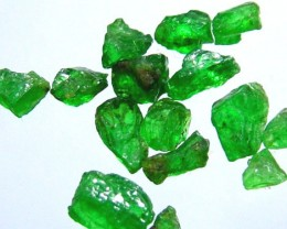 5 CTS TSAVORITE ROUGH CRYSTAL GREEN (PARCEL)  RG-609