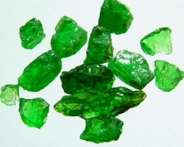 5 CTS  TSAVORITE ROUGH CRYSTAL GREEN (PARCEL)  RG-610