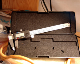 Professional Digital Calipers, Tough Plastic Case