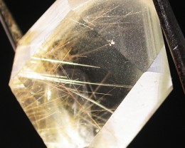 QUARTZ  CRYSTAL WITH GOLDEN  NEEDLES 36.65 CTS [MX8883]