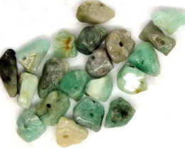 EMERALD BEAD UNTREATED DRILLED 21 pcs 40 CTS  NP-1313
